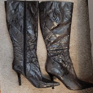 """4"""" Pointed toe Snake skin boots"""